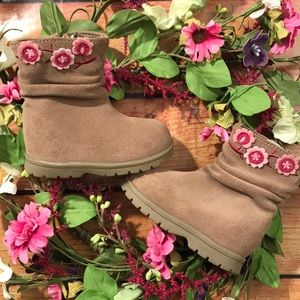🆕 Baby Smart Tan Leather Boots with flowers sz 2
